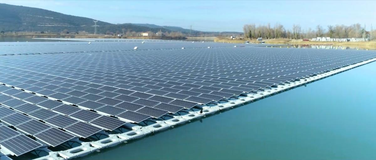 Fotovoltaico galleggiante. Inaugurato in Francia il più grande impianto sull'acqua d'Europa | Anter